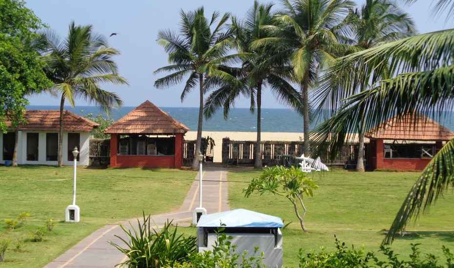 St. James Court Beach Resort